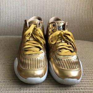 Nike Kobe 10 EXT Liquid Gold Color Men's Sneakers.